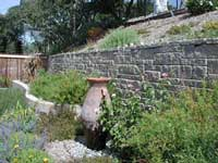 retaining wall with pattern